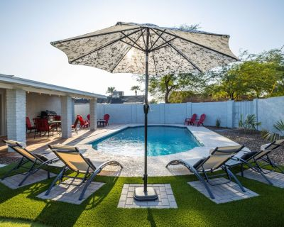 The Best Place To Be near Old Town w/ Private HEATED Pool - Scottsdale Estates Six