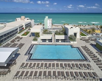 Ultimate Beach Getaway! Great Unit, Private Beachfront, Pool, Bar, Gym, Parking! - Hollywood Beach