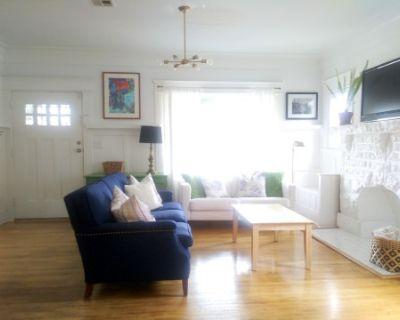 Cozy Craftsman Home w/ Amazing Natural Light, Los Angeles, CA