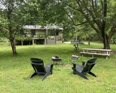 YELLOWWOOD COTTAGE - Private Outdoor Space Sophisticated Sunny Luxurious Indoor - Middleburg