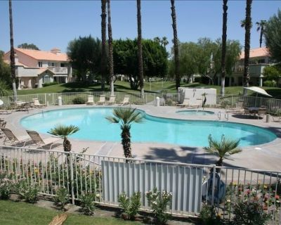 HIGH END, BRIGHT, QUIET, POOLSIDE 2 bedroom condo. Great location and amenities. - Palm Desert