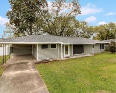 220 Attakapas Rd, Lafayette, LA 70501 3 Bedroom House