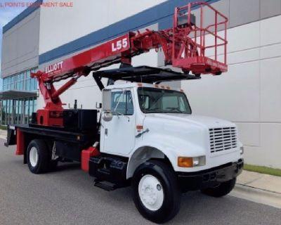 2000 Elliott L55R 4x4 Sign Truck For Sale-$75,900