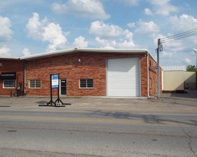 4016 Bishop Lane