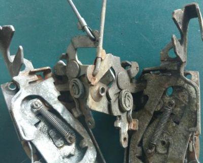 Door lock mechanism pair