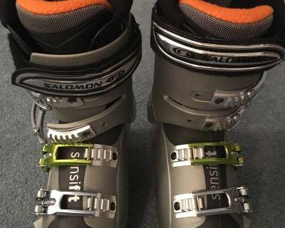Soloman X wave women's ski boots