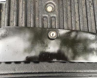 Glove box door with locking latch no key
