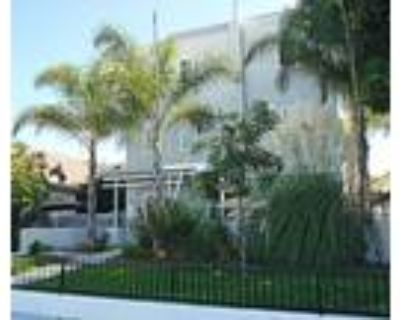 Great Townhome in Downtown Long Beach