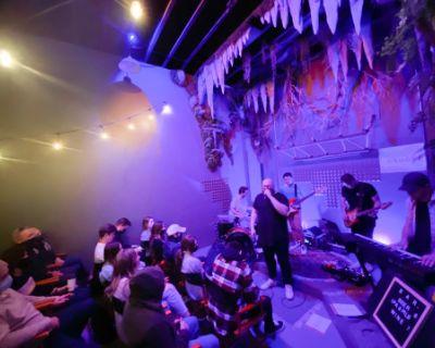 Historic District Underground Speakeasy-Styled Listening Room + Social House & Glass Room/Studio upstairs., Dahlonega, GA