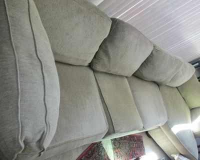 3 PIECE SECTIONAL COUCH (see next photo of corner piece)
