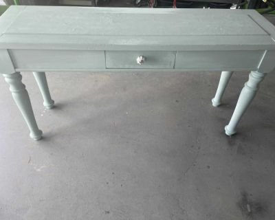 Side/Couch table