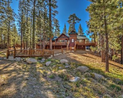 A Beautiful log Style Retreat With hot tub on a Large Private Treed lot With a Great Location! - Eagle Mountain Estates