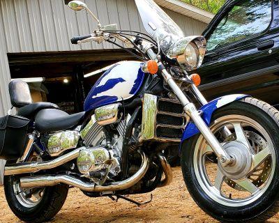 1995 Honda MAGNA