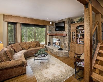 Beautifully Finished Townhomes In The Golf Club Area of Vail - Vail