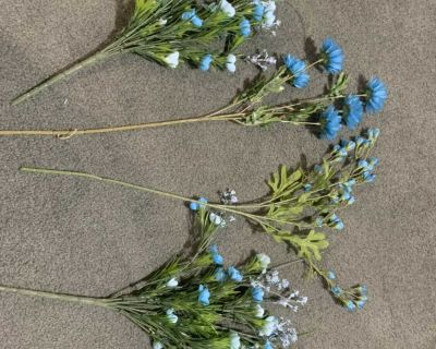 4 bunches silk flowers