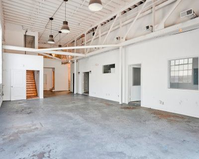 Spacious Loft Perfect for Photoshoots and Events - Downstairs Area, Atlanta, GA