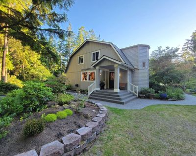4 bedroom/3 bath peaceful and secluded retreat w/hot tub (289) - Coupeville