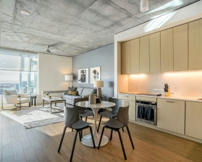 Rent Lofts at Noho Commons #451 in Los Angeles