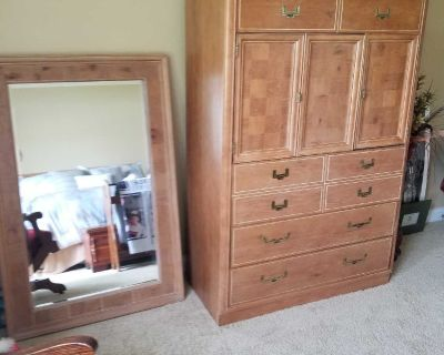 QUEEN BEDROOM SET...CHEST OF DRAWERS....MIRROR...NIGHT STAND