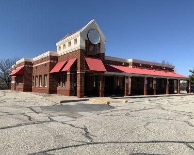 Former Frisch's Restaurant Building and FF&E