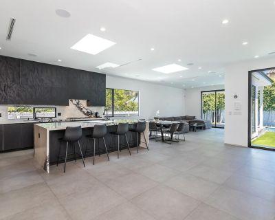 Modern getaway 5 bed, heated pool, spa, grill - Clarkdale