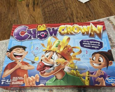 Chow crown game! Played 1x all pieces included