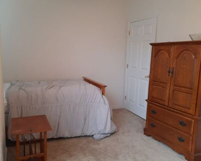 All utilities + fully furnished room in Townhouse