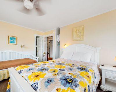 Third Floor Suite w/ High-speed Wifi & Outdoor Shower - Two Blocks to the Ocean! - Ocean City