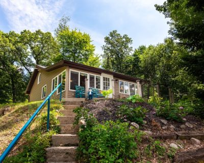 Miss Peabody's Cottage, A Perfect Couples Getaway in the Pinckney Rec Area - Gregory
