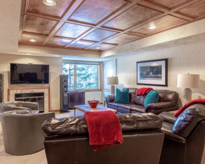 New Listing! Huge duplex overlooking Park City! Walk to lifts and Main Street! - Downtown Park City