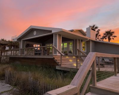Stunning Oceanfront 4BR/3.5 BTH Home on Private Beach -Enhanced Cleaning Process - Vilano Beach