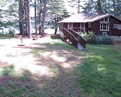 Rustic, peaceful cabin on Lake Cobbossee; Perfect for summer or leaf season! - Kennebec County