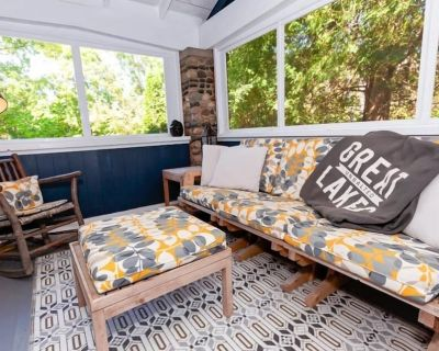 Historic Holley Lodge charm in the village - Bayfield