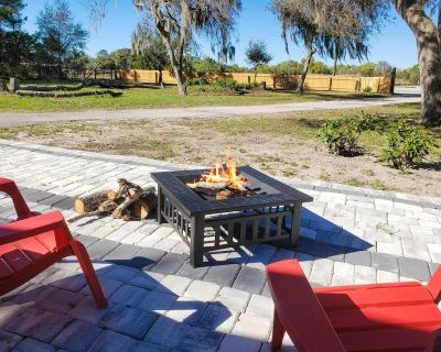 Country Quiet   1.05 Protected Acres   All-New Interior   Gas Grill & Firepit - Sanford
