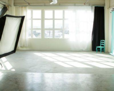 Photography Studio with Incredible Light, Portland, OR
