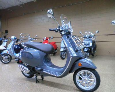2022 Vespa Primavera 150 Touring Scooter Downers Grove, IL