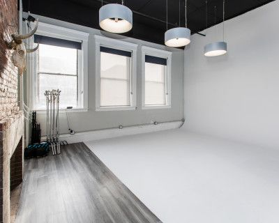 Cyclorama Studio with High Ceilings and Natural Light, Somerville, MA
