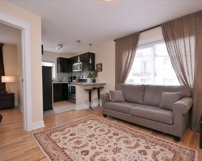 Renovated Suite in Restored Heritage Building - Near Downtown! - Rockland
