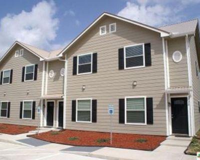 203 Vista Alta St, Victoria, TX 77904 2 Bedroom House
