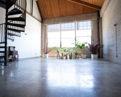 Artist Loft, Gallery, Creative and Holistic Healing Space, Painting Studio, Los Angeles, CA
