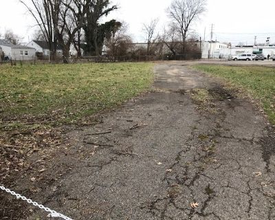 Vacant C-2 Land for Sale