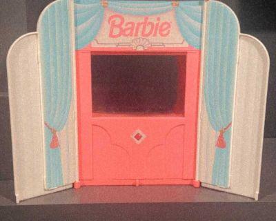 Vintage Barbie 1995 Mattel Movie theater