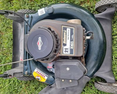 Bolens Lawnmower with Briggs and Stratton Engine - STARTS RIGHT UP