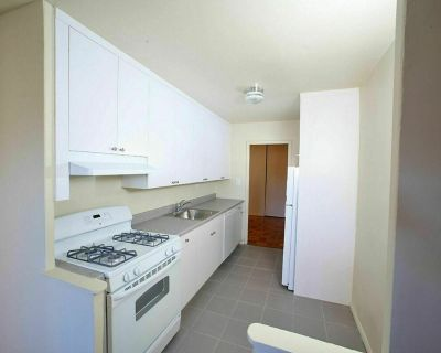 Charming & Beautiful 1BDR Apartment IN PRIME GRAVESEND!