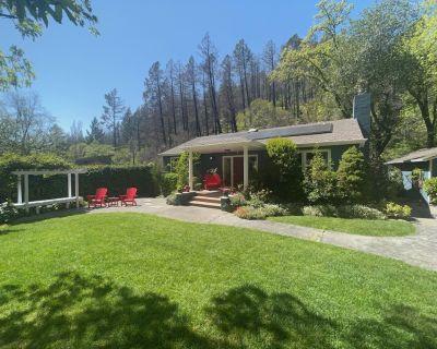 Kenwood Cottage-Canyon & Creek Setting, NO cleaning Fee, Tesla EV Welcome - Kenwood