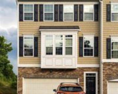 1420 Townhouse Way, Morgantown, WV 26505 3 Bedroom Apartment