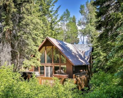 Elegant Mountain Retreat w/ Open-Air Hot Tub & Gourmet Kitchen - Summit Park