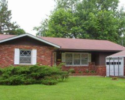 1334 E Cozy St #1, Springfield, MO 65804 3 Bedroom Apartment