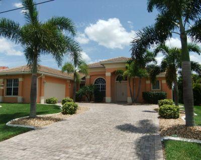 Estrada - Big Villa with south-facing pool and modern interior - Pelican