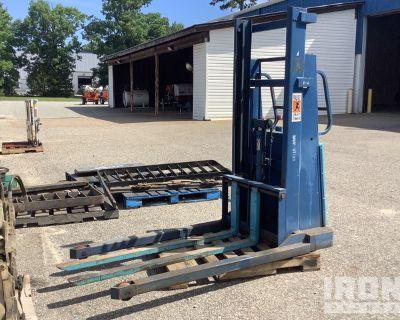 Ruger 255-1-0 2500 lb Pallet Jack